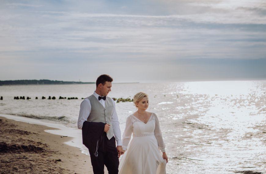 Plener ślubny nad morzem w Ustce i Orzechowie – Maria i Dawid.